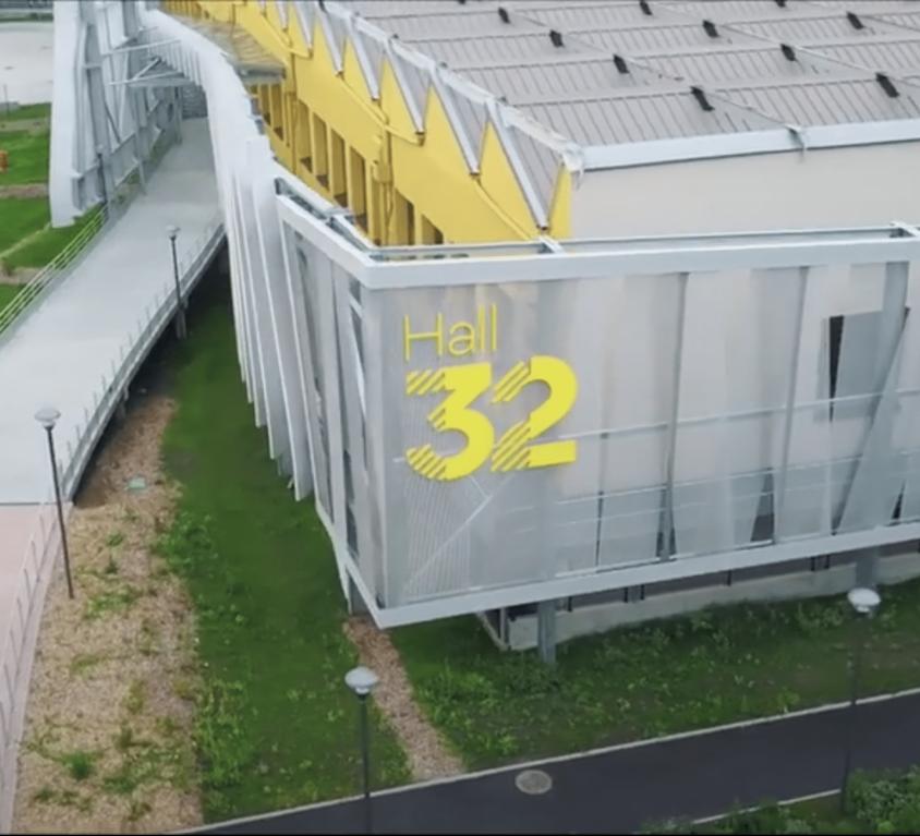 Hall 32